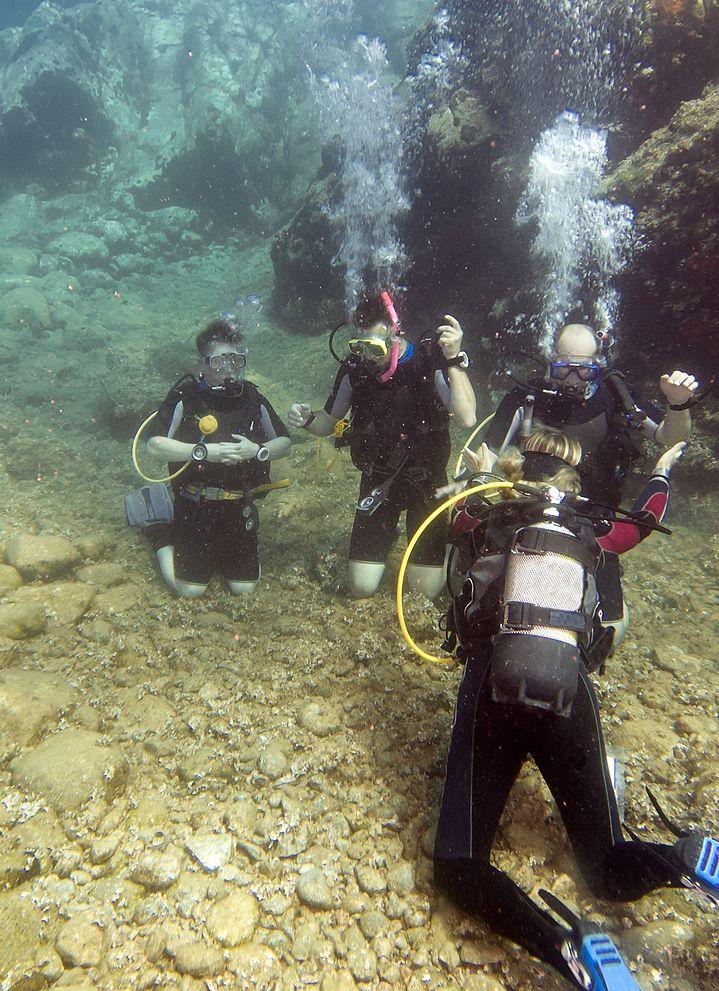 scuba class underwater